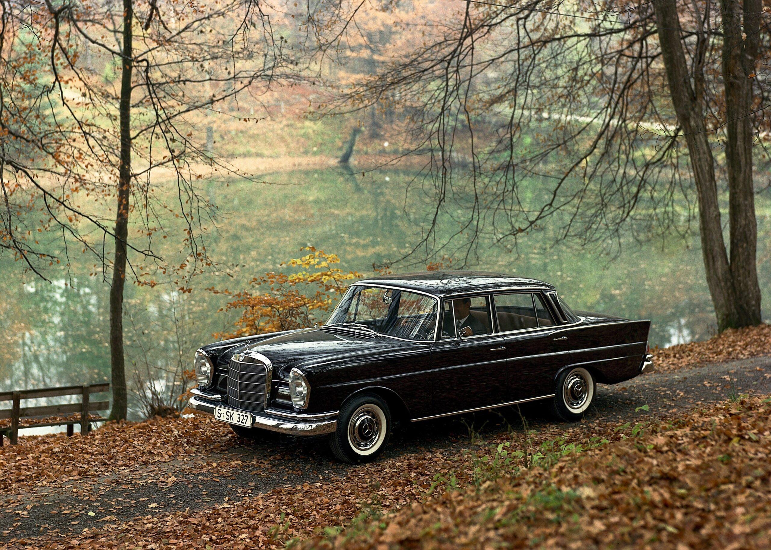 Mercedes Benz w 111