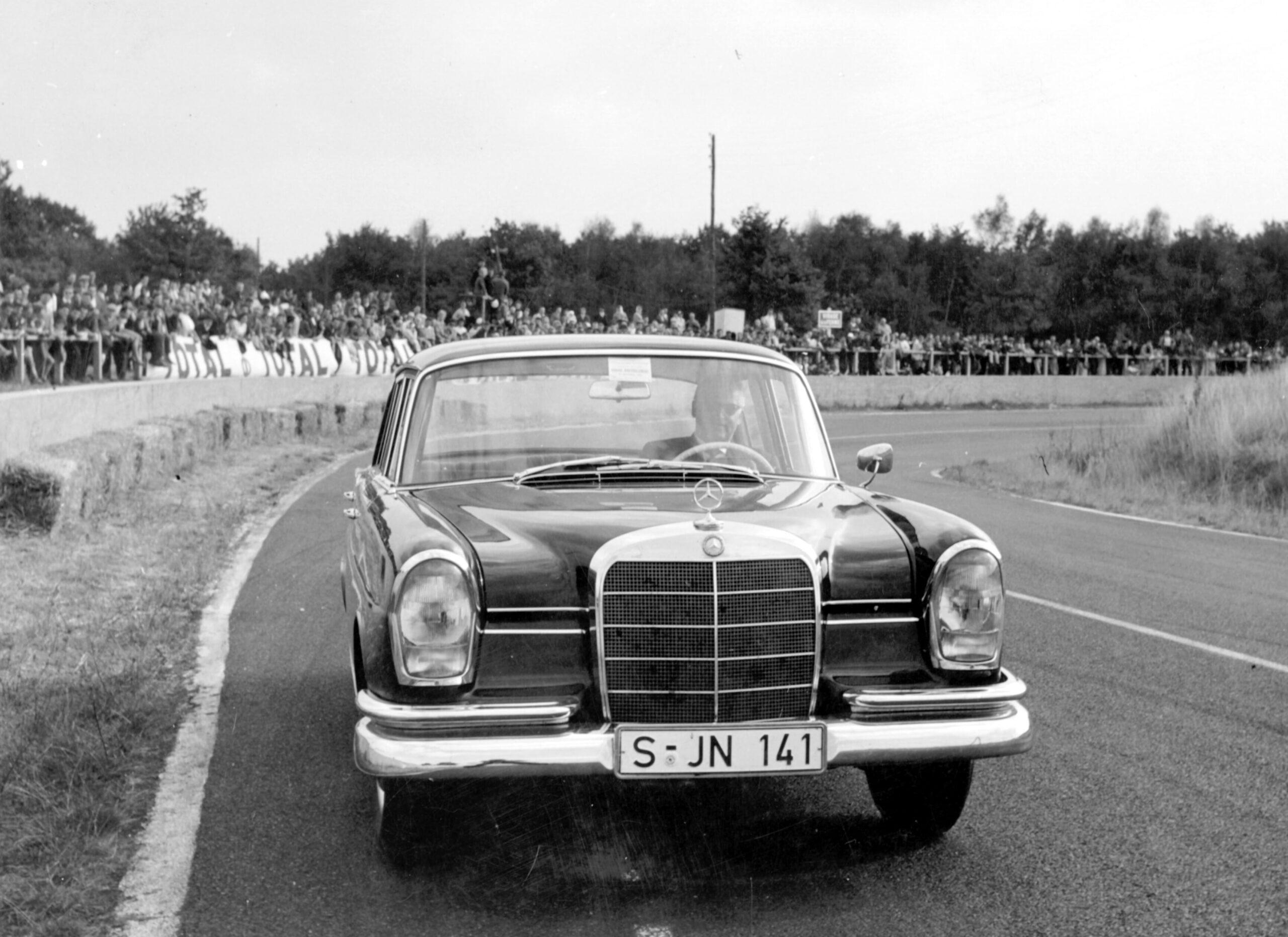 Mercedes Benz w 1113