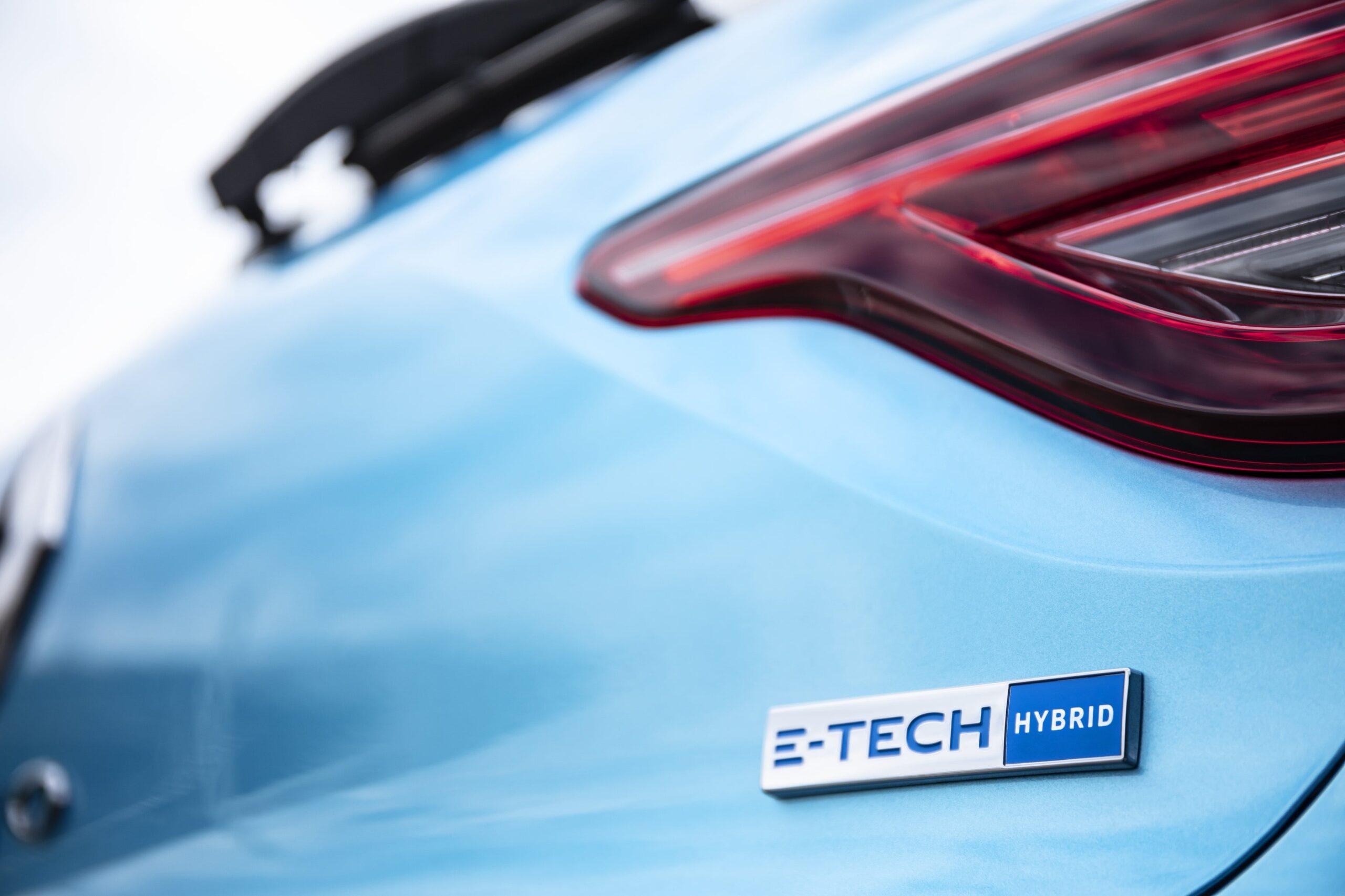 Nuova Clio E-tech Badge