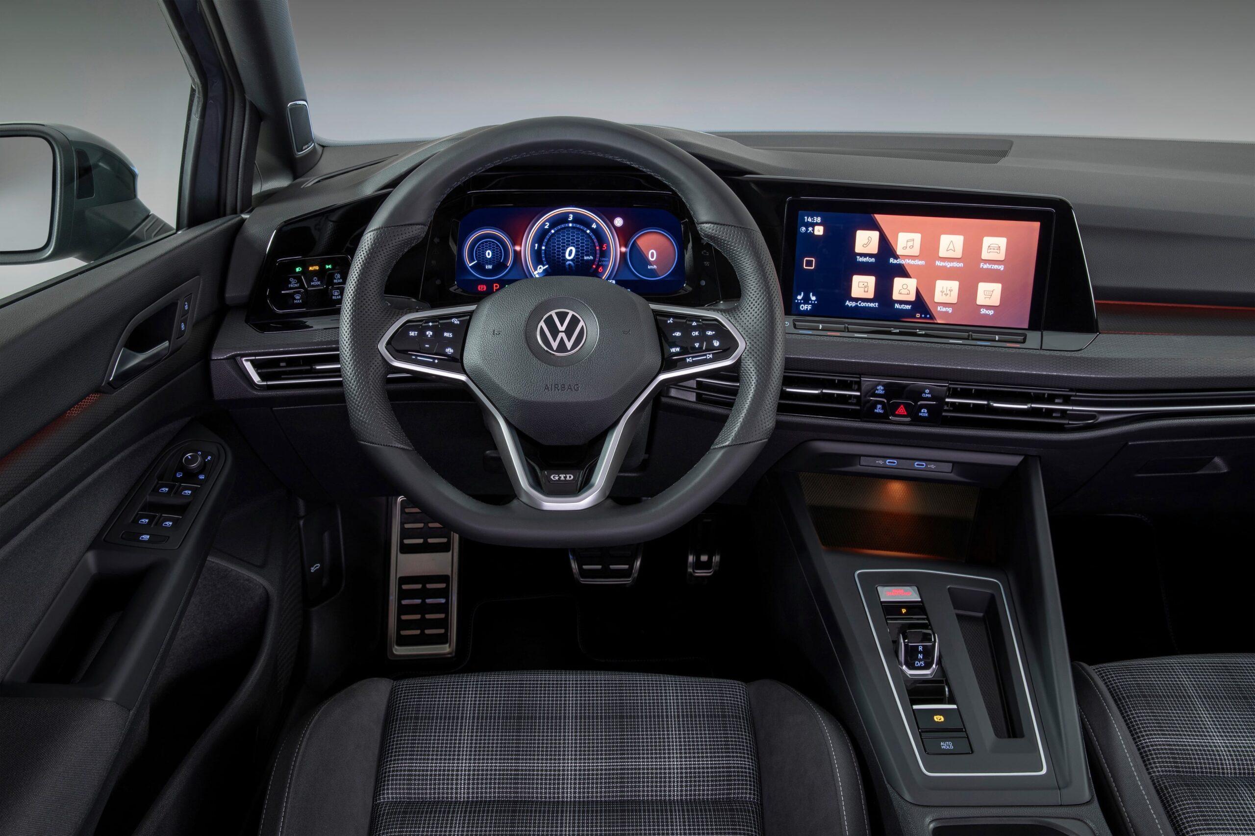 Volkswagen Golf 8 GTD Interni