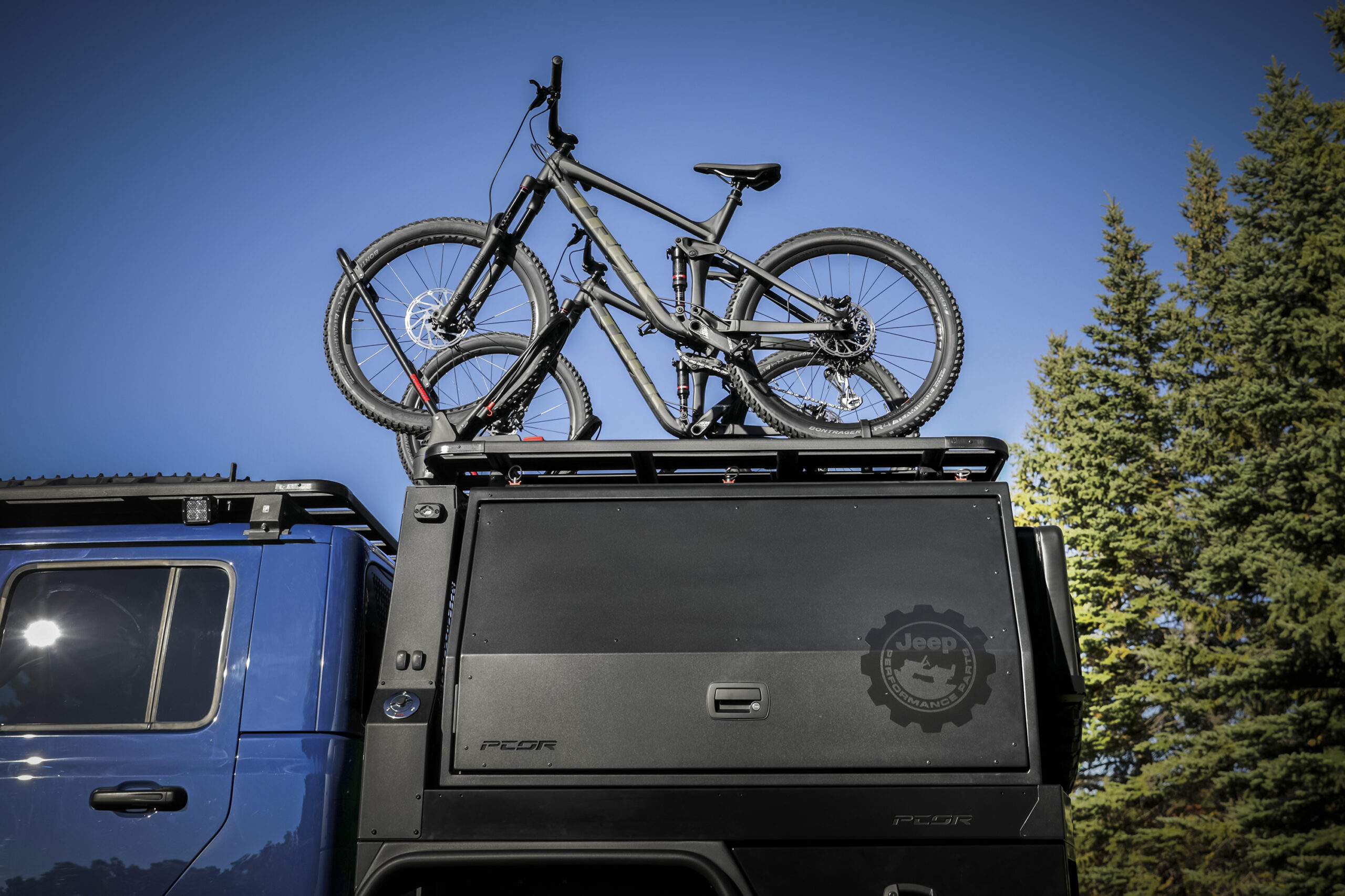 On top of the rack structure of the Jeep Top Dog Concept, a dual