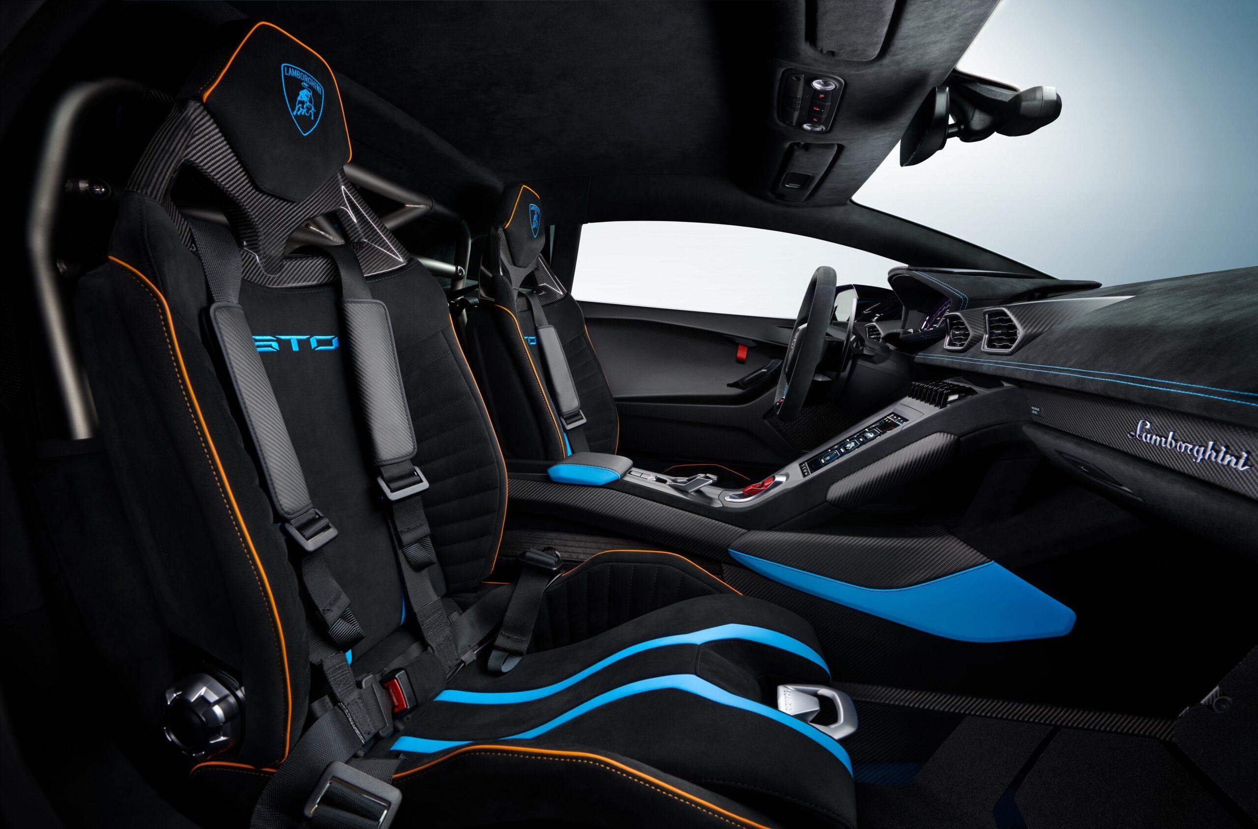 Lamborghini Huracan STO Interni 2