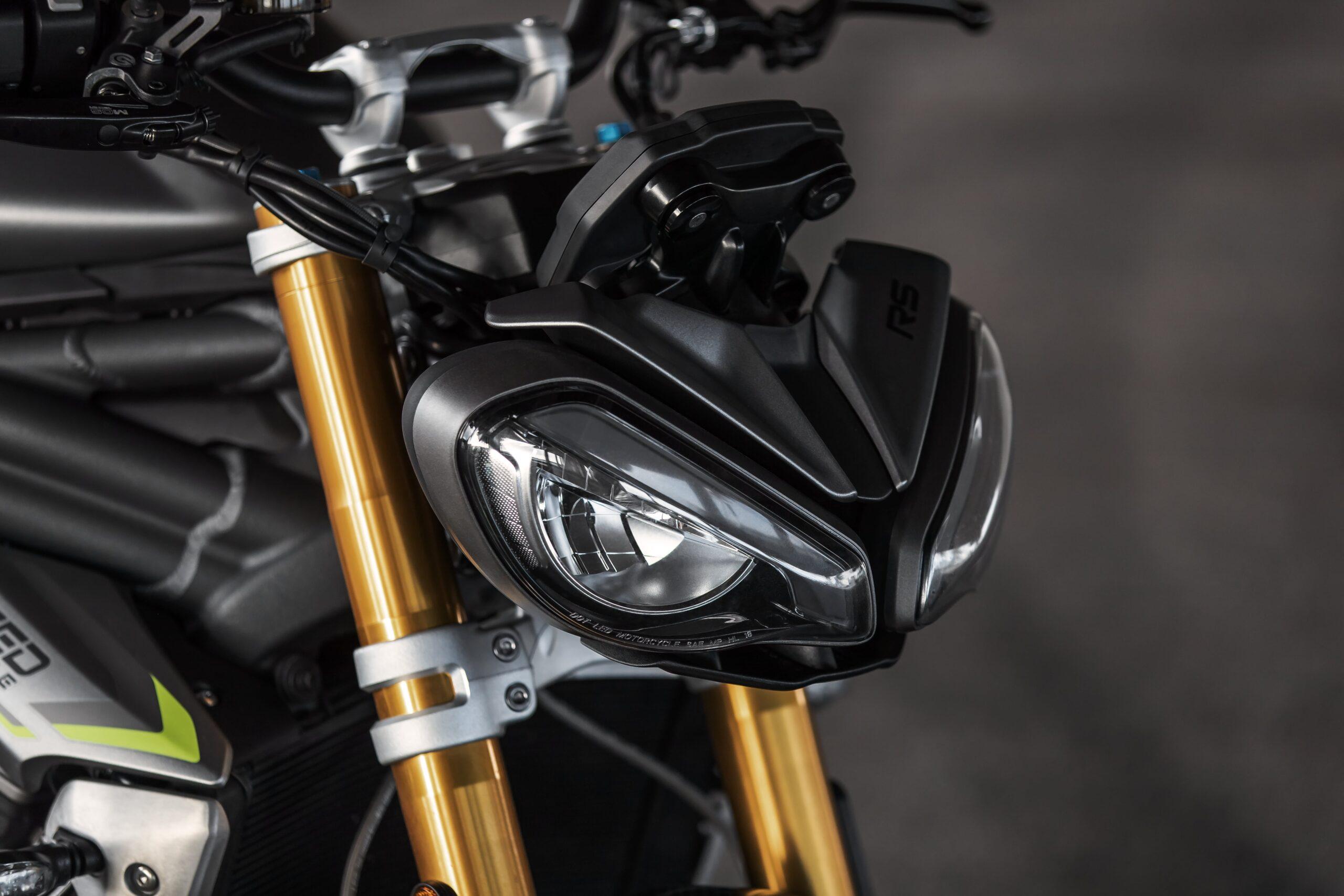 Triumph Speed Triple 1200 RS 04