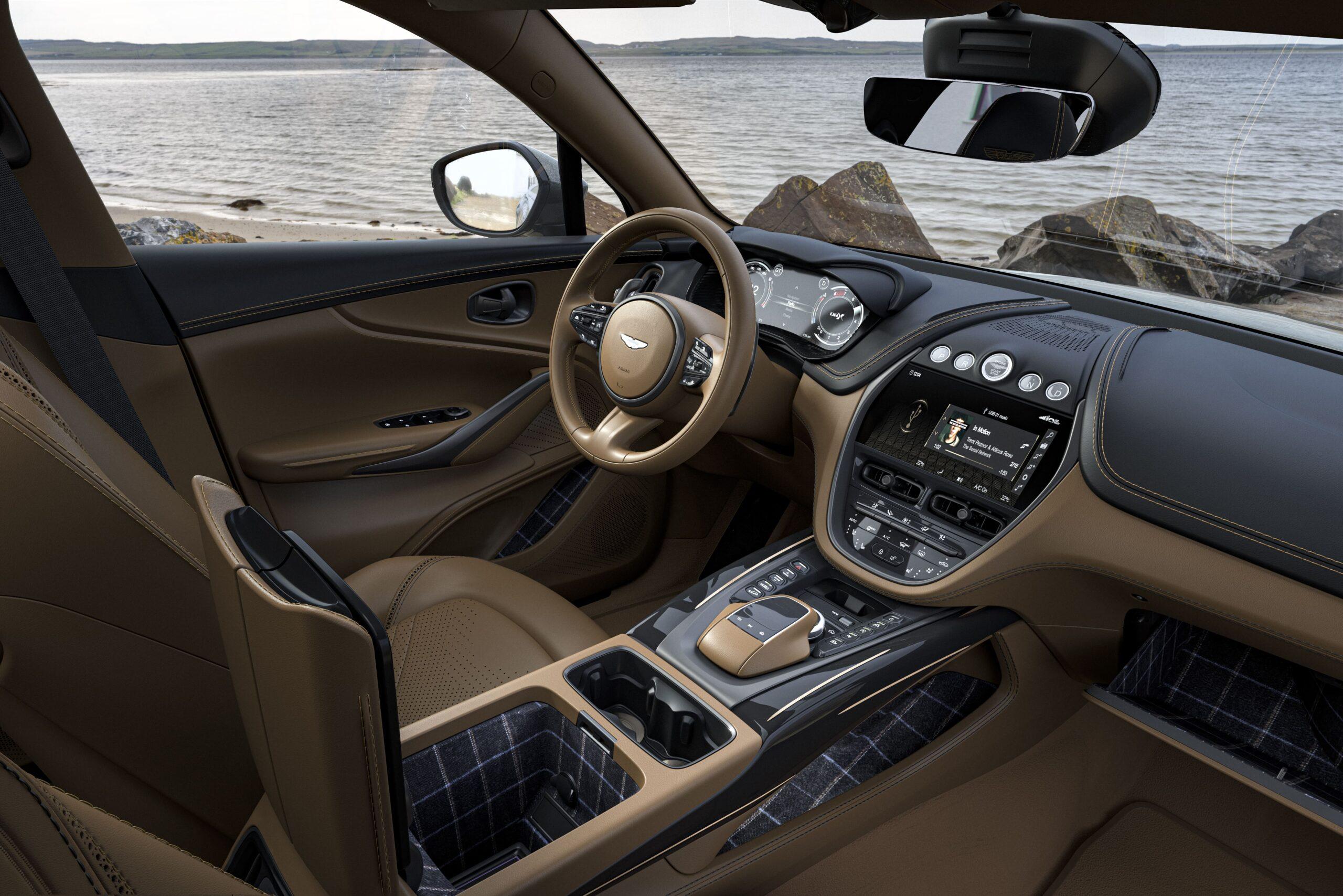 Q by Aston Martin DBX Bowmore Edition_ (20)