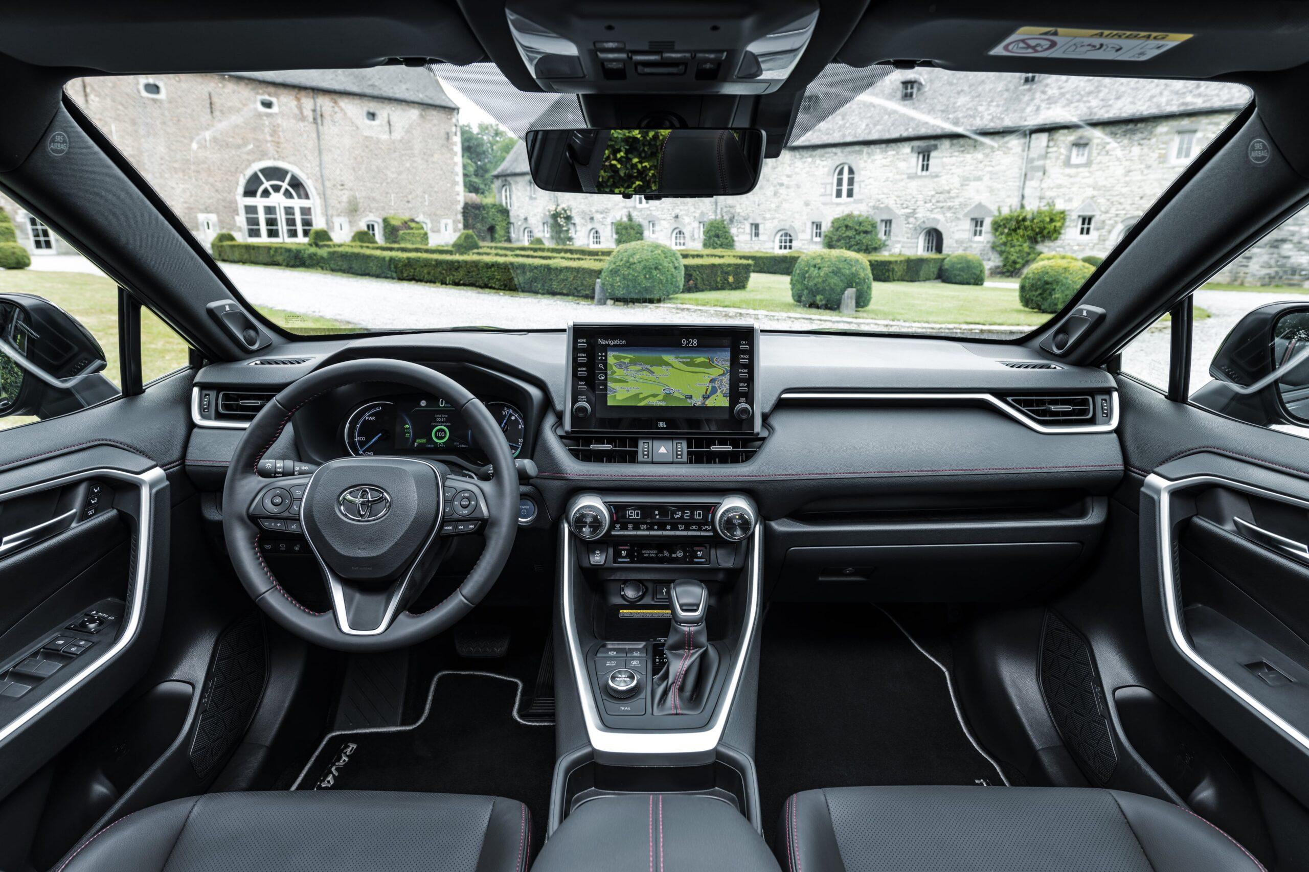 Toyota RAV4 Plug-in Hybrid 05
