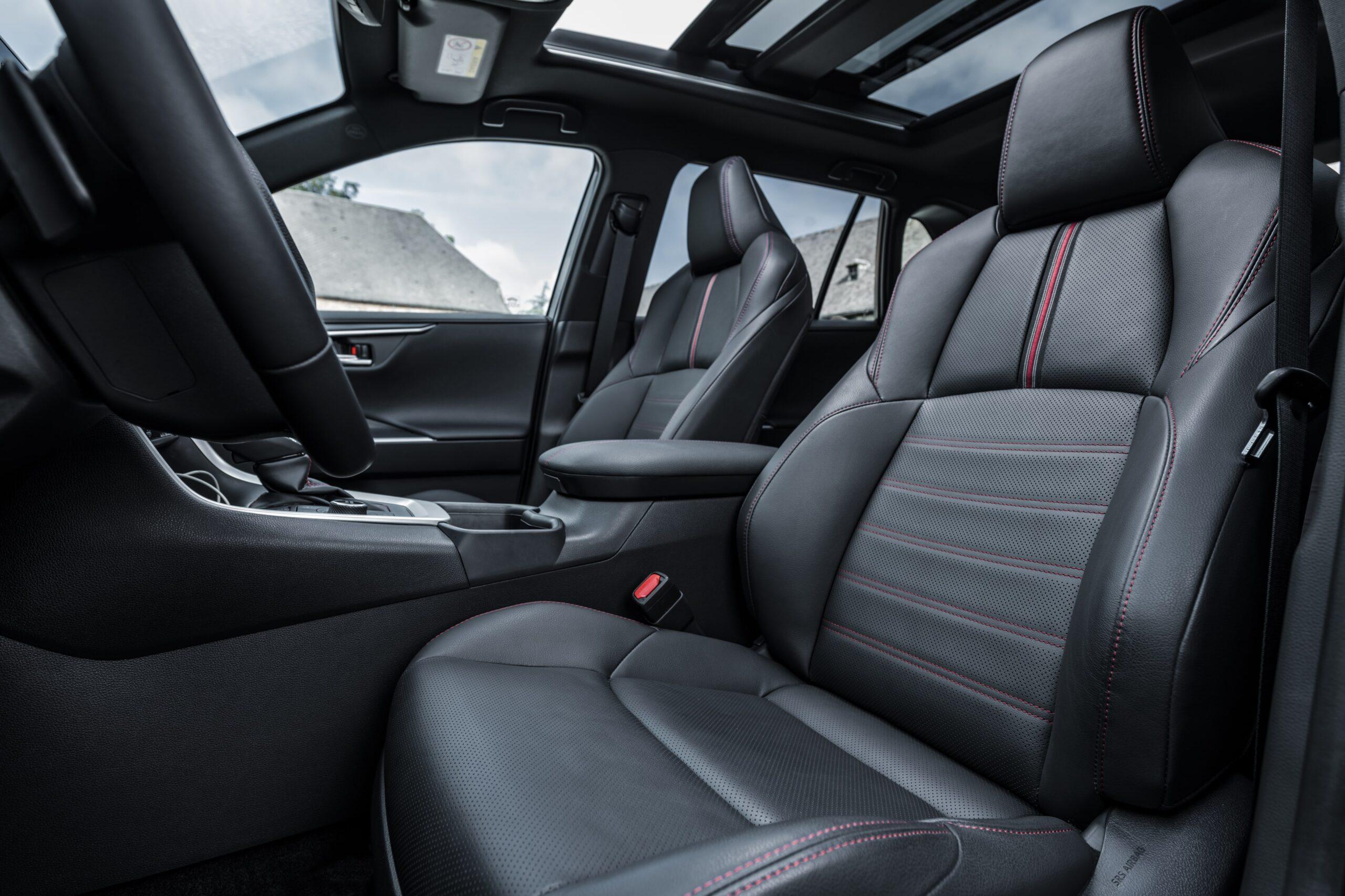Toyota RAV4 Plug-in Hybrid 07