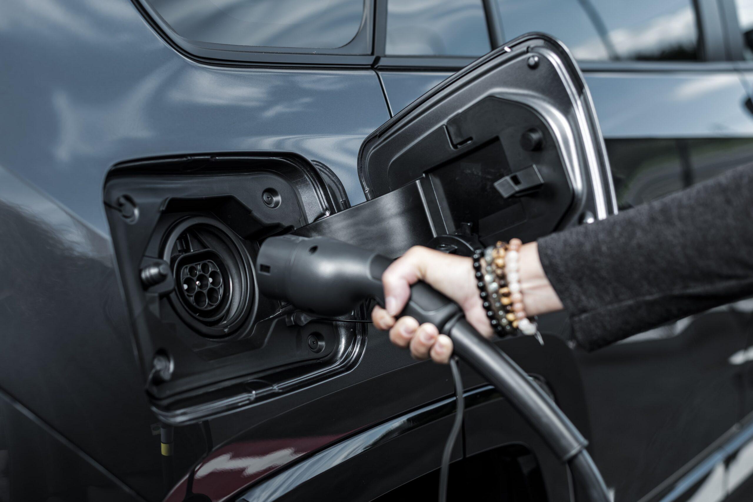 Toyota RAV4 Plug-in Hybrid 08