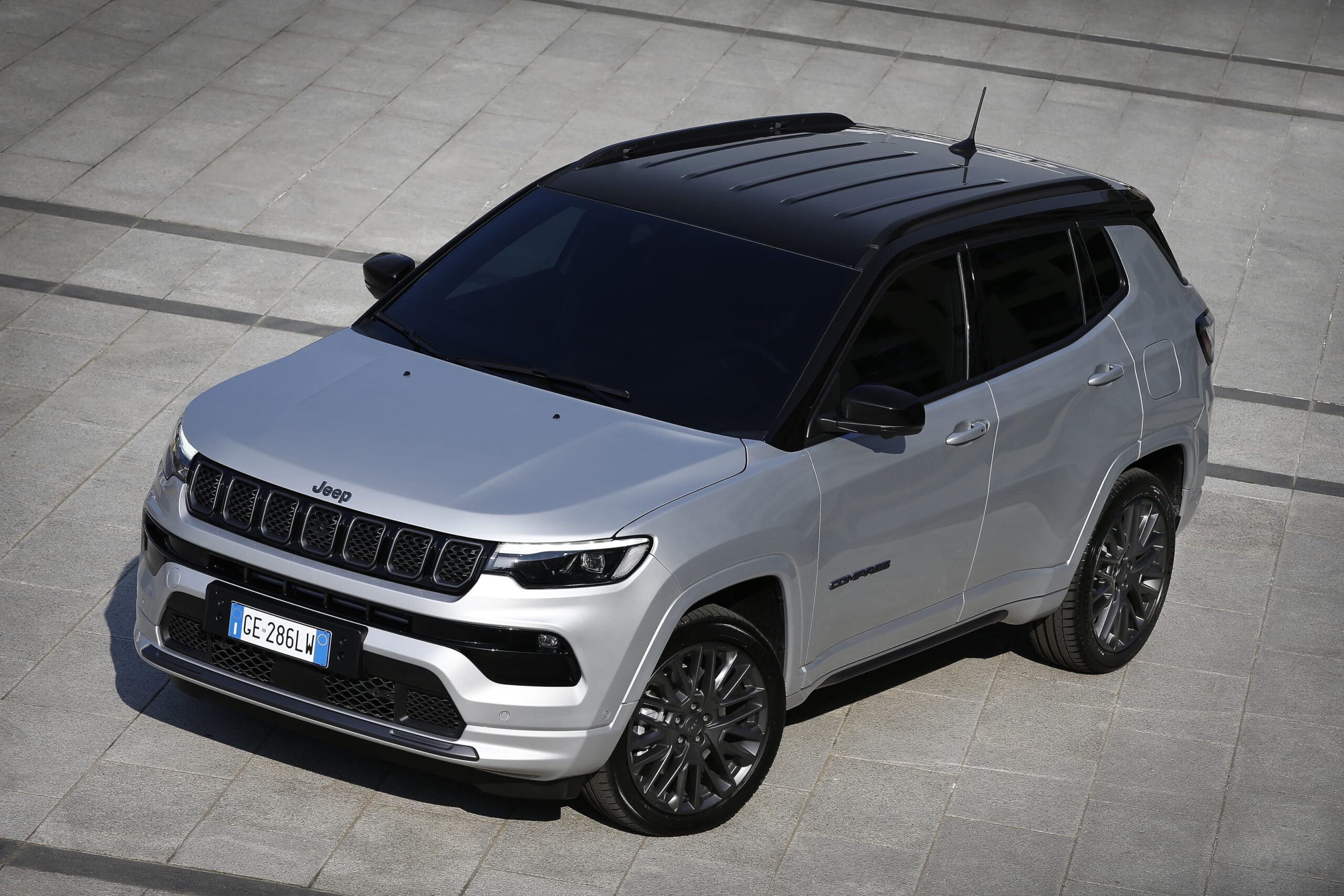 3. New Jeep® Compass S 4xe