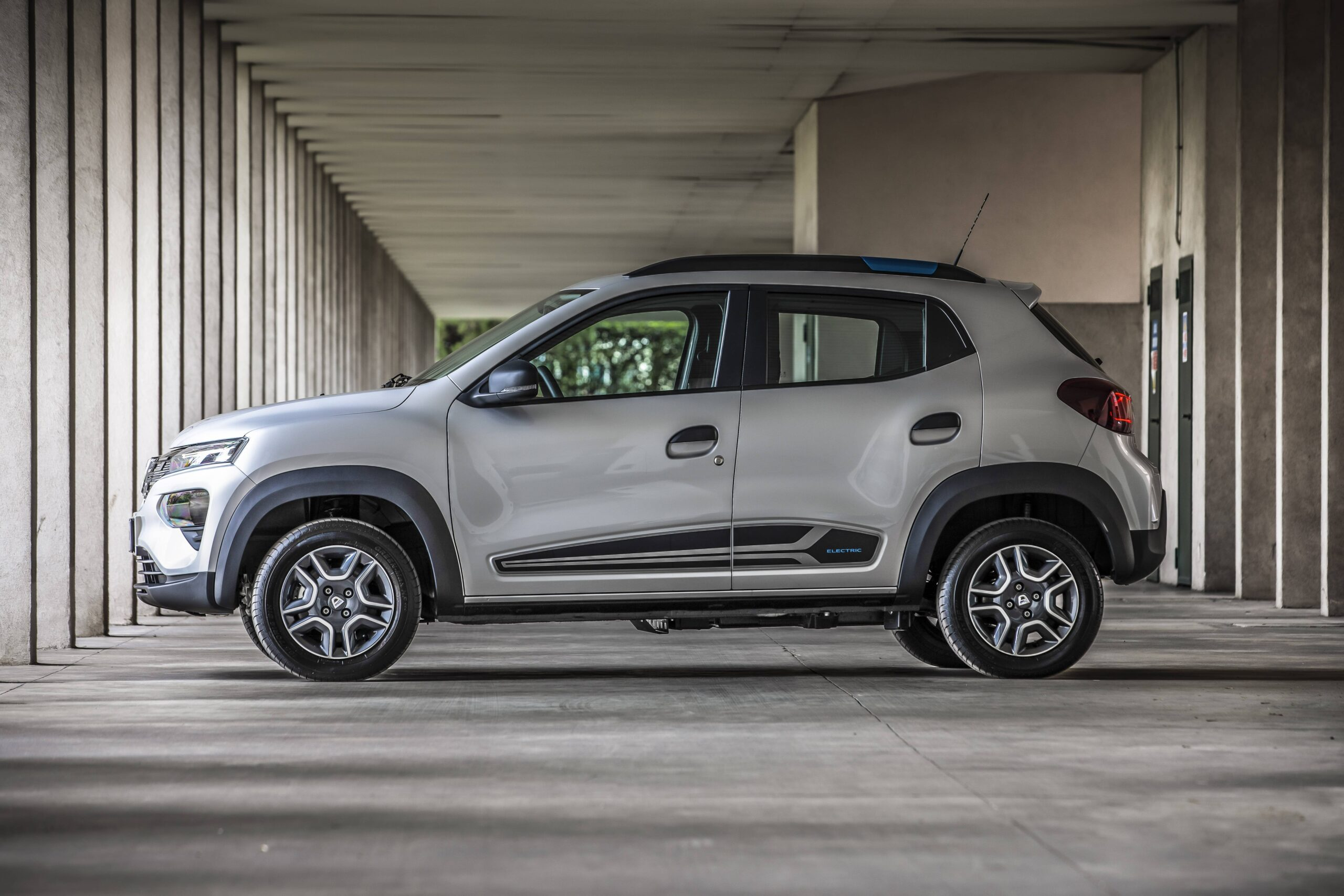 Dacia Spring 04