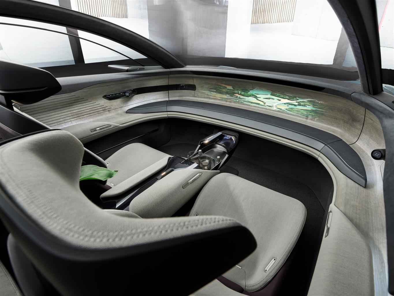 Audi Grand Sphere Concept (05)